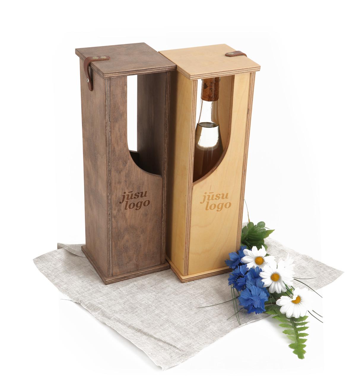 VIP koka kaste vīna pudelei