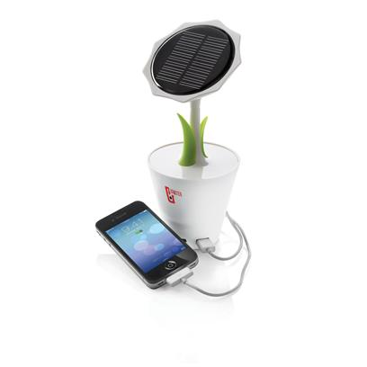 Saules baterijas lādētājs